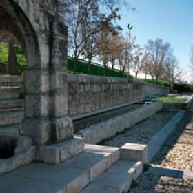 Fuente Huertos; Fechas: Minado aguas 1616; Construcción: fuente y abrevadero 2ª mitad s. XVIII, lavadero finales s.XIX.; Restauración 1991